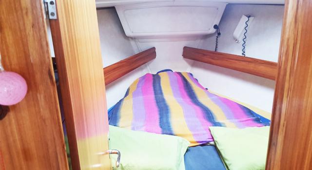 Druna-jedrilica-pramcana-soba-jedrenje-grcka-Disko-Travel