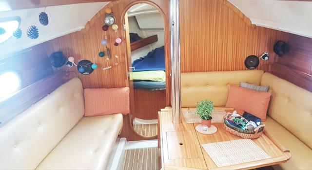 Druna-jedrilica-salon-jedrenje-grcka-Disko-Travel