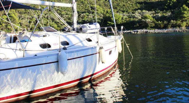 Druna-jedrilica-spolja-jedrenje-grcka-Disko-Travel-