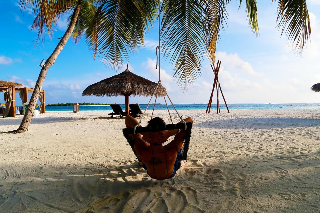 uzivanje na plazi maldivi disko travel