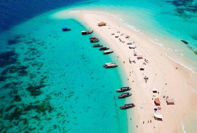 Peščani-sprud-Nakupenda-Zanzibar-disko-travel