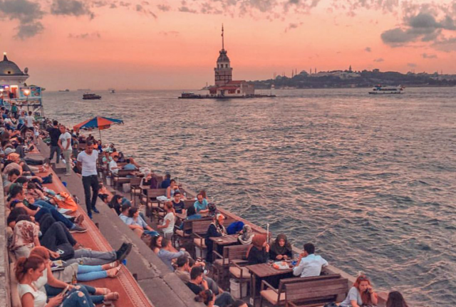 uskudar-istanbul-disko-travel